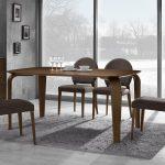 Seturi de living – cum sa alegi masa si scaunele pentru living
